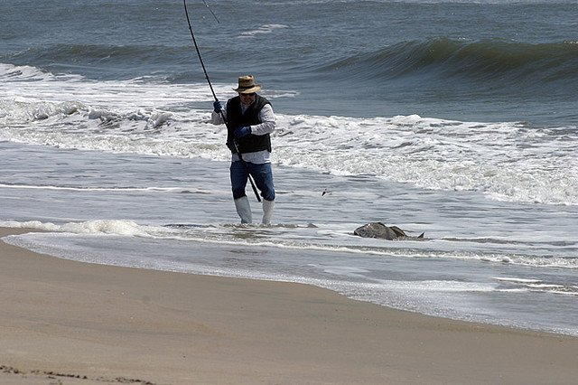 4 Tips to Surf Fishing with Success