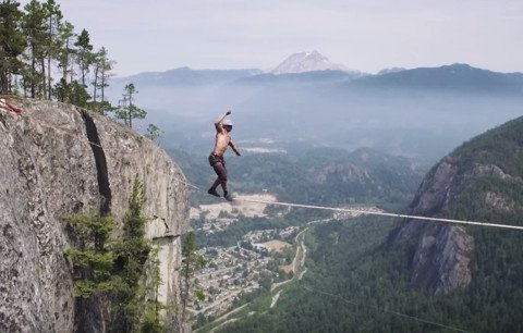 Canadian Breaks Highline Free Solo Record 1,000 Feet off Ground