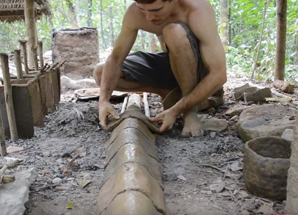 How to Build a Tile-Roofed Hut with Primitive Tools