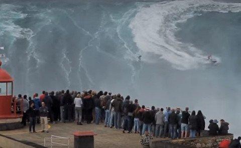 surfer-big-wave