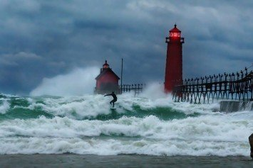 Lake Michigan Gets Pummeled by 25-Foot Waves
