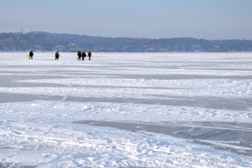Ice Fishing Tips: When to Stay and When to Go