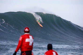 Titans of Mavericks Delivers Big Thrills With Huge El Nino Swells