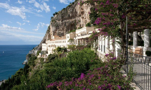 amalfi-cliffside