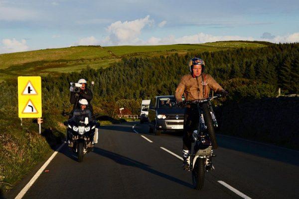 Dude Pulls Amazing 40-mile Wheelie on a Motorbike