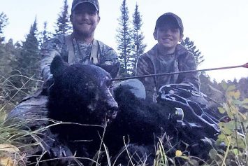 Bowhunter Shoots Charging Bear Right in the Eyeball