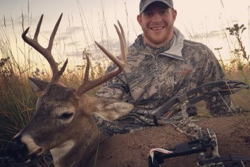 10 NFL Football Players That Hunt