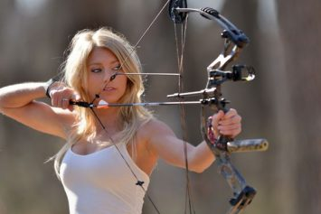 Hottest Girls of Bowhunting