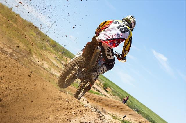 dirt-bike-698523_640