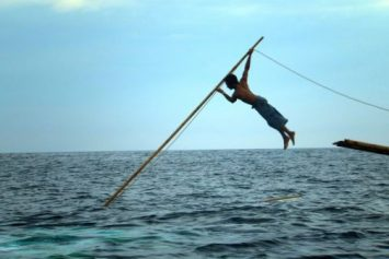 Indonesians Recreate Ancient Sperm Whale Hunt